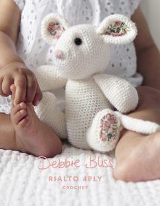 DB013_Crochet_Mouse.indd