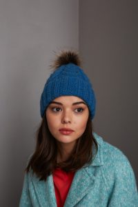 CableBobbleHat2_006_480x720_72_RGB